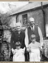 Matilda Doggart Mitchel Gray and grandchildren 1936. 31 Wallaces St No 2